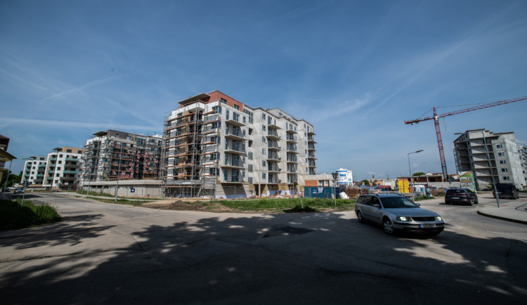Na jihu Čech dokončili stavbaři 1 645 bytů, nejvíc od roku 2008