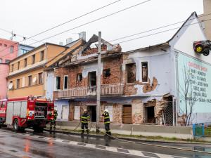 FOTO: Požár bývalého Cabaretu způsobil škodu za milion