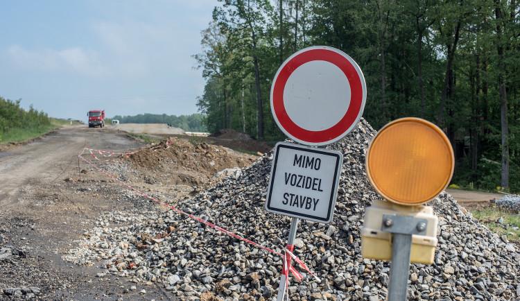 DOPRAVNÍ INFO: Jaké uzavírky čekají na řidiče na jihu Čech?