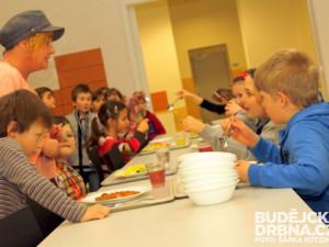 Jihočeské školní jídelny a tábory zaplatily oproti loňskému roku víc pokut