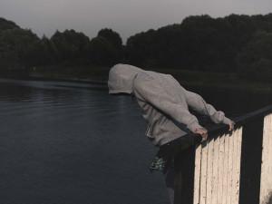 Hasiči cestou ze cvičení zachránili muže, který chtěl spáchat sebevraždu