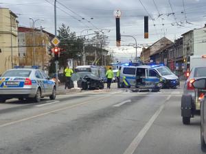 U nádraží komplikují provoz dvě dopravní nehody