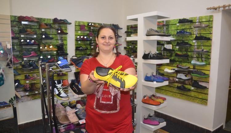 Obutý, a přesto jako bos. V prodejně s barefoot obuví pro děti a dospělé Footmark vám rádi poradí, jak na to