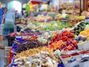 Sněmovna podpořila pokuty až 50 milionů za dvojí kvalitu potravin