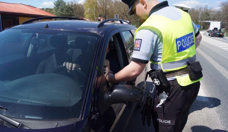 Čtyřiačtyřicetiletý muž naboural do zaparkovaného auta. Nadýchal přes dvě a půl promile