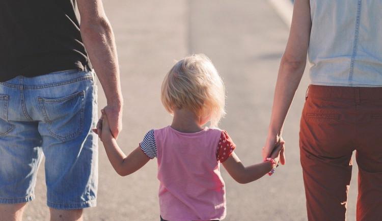 Jihočeský kraj se zapojil do projektu Rodinné pasy, který nabízí výhody pro rodiny s minimálně jedním dítětem