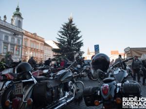 Tradiční motorkářský sraz na Štědrý den bude. Zákaz vjezdu na náměstí neplatí