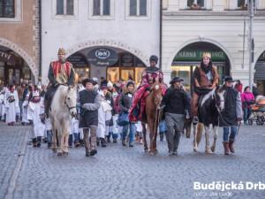 Tři králové vyjdou koledovat podvacáté. Na jihu Čech se do sbírky zapojí přes pět tisíc dobrovolníků