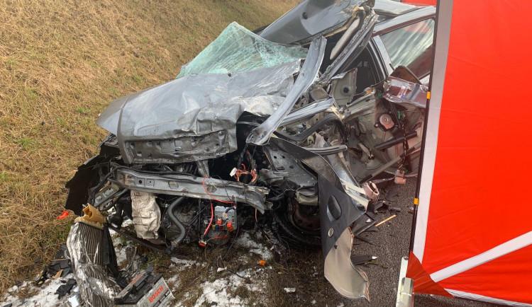 Při nehodě na Táborsku zemřel řidič osobáku