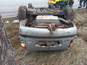 Při ranní nehodě na Strakonicku se zranila řidička