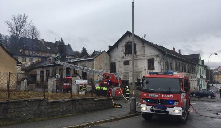 Požár budov ve Vimperku způsobil škodu za 900 tisíc