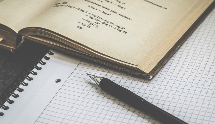 Povinná maturita z matematiky možná nebude, rozhodne se na jaře