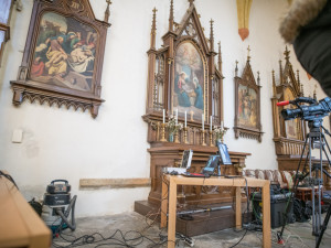 Kosti nalezené v budějckém klášteře nepatří prvnímu převorovi. Vědci ale našli další schránku