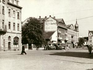 DRBNA HISTORIČKA: Nádražní třída se původně jmenovala Roosveltova. Přejmenovány byly i hotely Grand a Imperial