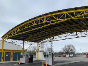 Dopravní podnik otevřel plnící stanici CNG veřejnosti