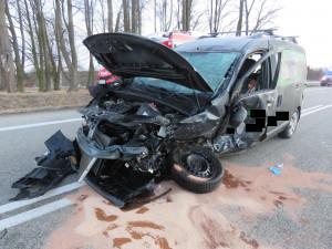 Nehoda dvou osobních aut uzavřela silnici u Stráže nad Nežárkou