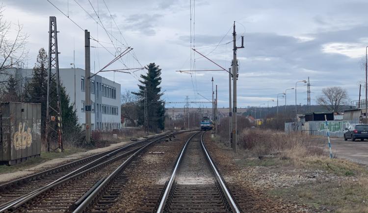 Vlak v Hrdějovicích zabil člověka, cestující musejí počítat s omezením