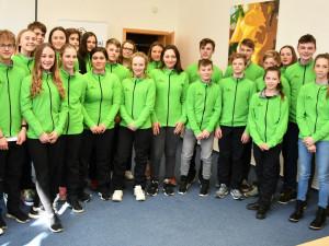 Hejtmanka Stráská a náměstek Hroch gratulovali mladým sportovcům k zisku 34 cenných kovů ze zimní olympiády