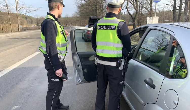 Kličkující řidička nadýchala přes tři promile, na místě přišla o papíry