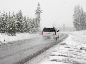 V platnosti je výstraha před silným větrem a sněžením