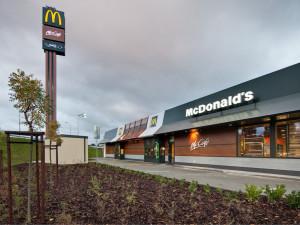 McDonald's funguje i nadále, ale s omezením