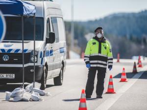 Žena vyrazila na rande do Rakouska, hrozí jí pokuta až 20 tisíc