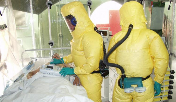 Zemřel další pacient nakažený koronavirem. Při léčbě nádorového onemocnění mu selhal organismus