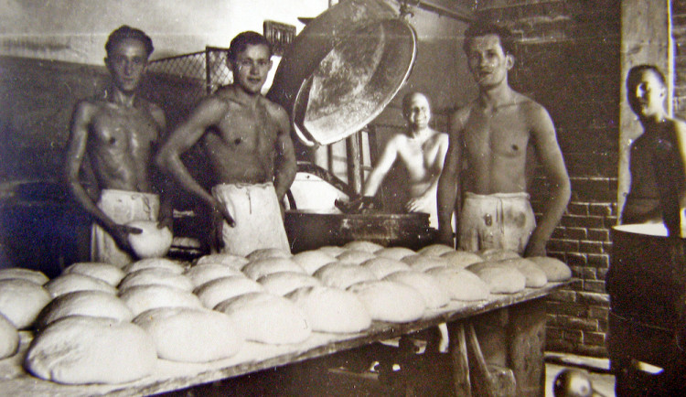 DRBNA HISTORIČKA: Pekař pekl všechno do oboru spadajícího, pecnař jen pecny