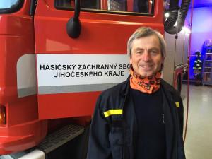VIDEO: Poslední zahoukání pro Vladimíra Koláře, profesionální hasič sloužil v Budějcích téměř 40 let