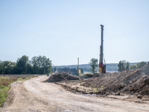 Obchvat Budějc bude podle ŘSD zprovozněn v roce 2023, o rok později než bylo v plánu