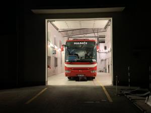 VIDEO: Hasiči z Rakouska přivezli další skupinu Čechů