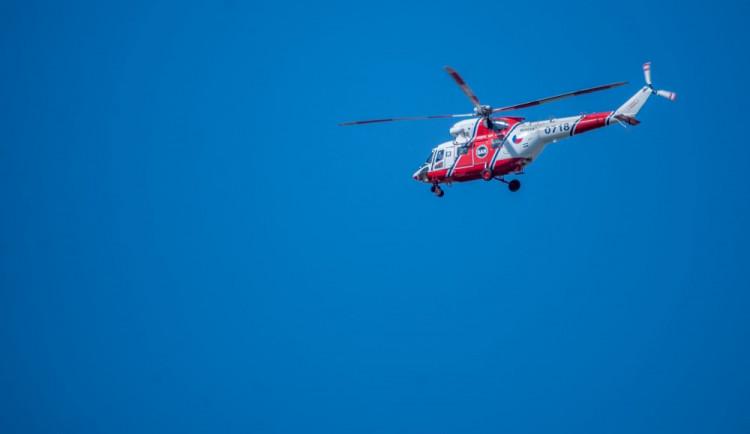 Devatenáctiletý mladík zůstal viset na ferratě, letěl pro něj vrtulník