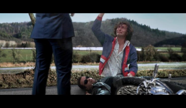 VIDEO: Arnold se vrátil z budoucnosti, aby zachránil Bohuše. Brněnští videokouzelníci jsou zpět s EETerminátorem