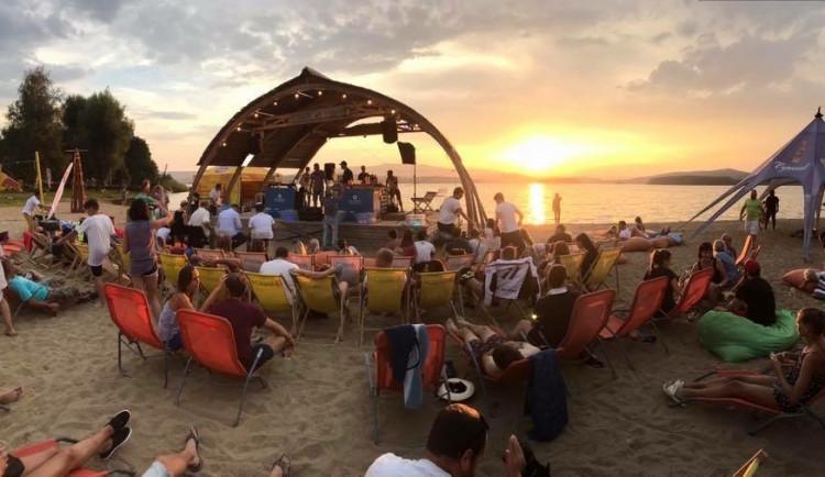 David Neumann z pláže Windy Point v Černé v Pošumaví: Alfou a omegou je pro nás pohodová atmosféra, na které stavíme