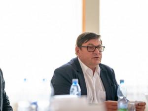 Seskupení tří hnutí na jihu Čech do krajských voleb povede Hroch