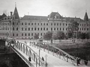 DRBNA HISTORIČKA: Zlatý most radnici vynášel