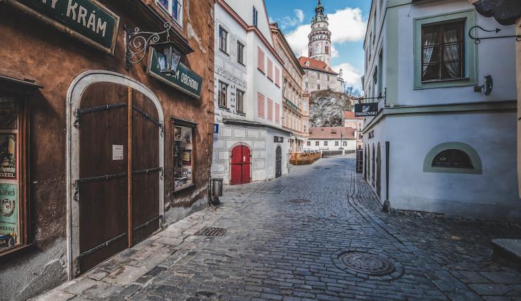 Český Krumlov vybral loni od zájezdových autobusů 20,6 milionu korun