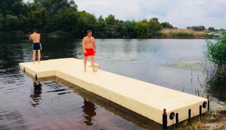 U řek se objeví koupací mola, plavci je budou moci využívat od července
