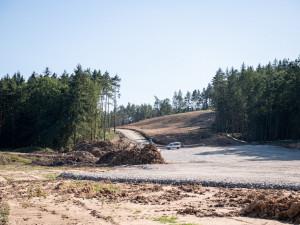 Dálnice v úseku Hodějovice – Třebonín bude o 15 milionů dražší, může za to možný sesuv půdy