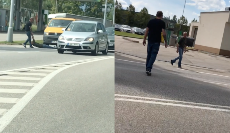 """VIDEO: Na čtyřproudovce kličkoval mezi auty. Se """"čtyřkou"""" v dechu skončil na záchytce"""