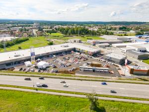 Očekávané nové obchodní centrum Retail park Okružní: V pondělí otevíráme