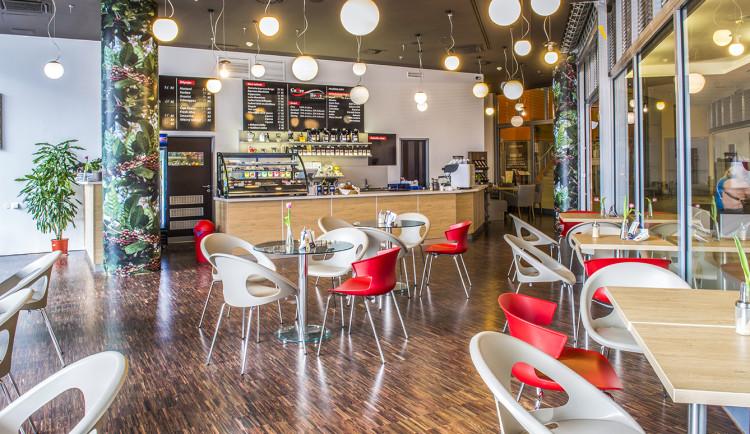SOUTĚŽ: Coffee Berry nabízí čerstvé praženou kávu, bohaté snídaně i sladké dobroty