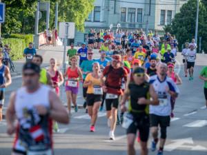 RunCzech přijíždí do Budějc s letní výzvou Česko běží dál a zve na Runway Run