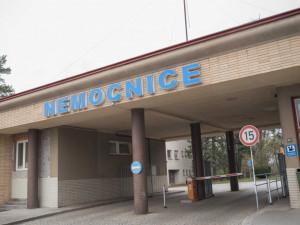 Dačická nemocnice zakázala kvůli koronaviru návštěvy