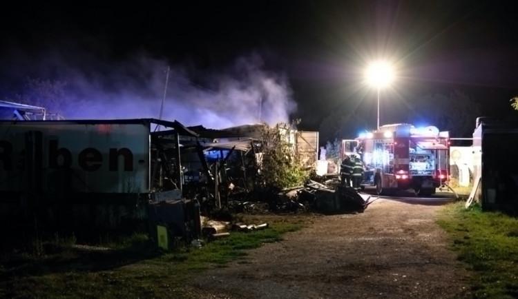 Požár dílny v Myslkovicích způsobil škodu za necelé dva miliony