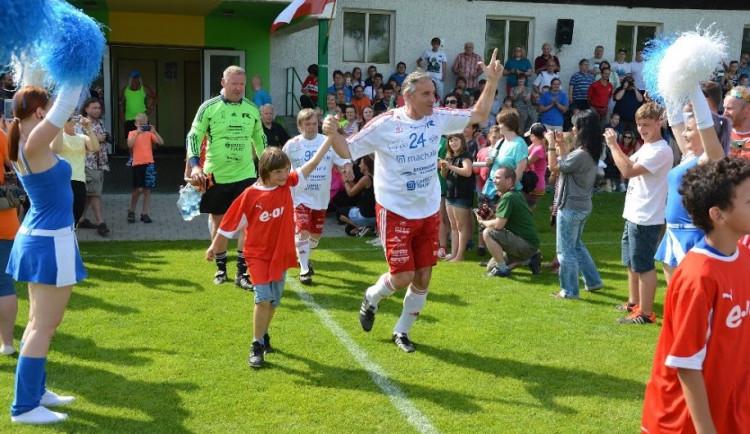 SOUTĚŽ: Sportovní odpoledne ve Strunkovicích podpoří Arpidu. Vystoupí Olga Lounová a Helena Vondráčková