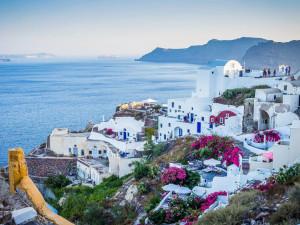 Řecko zavádí povinné testy na covid, i pro Česko