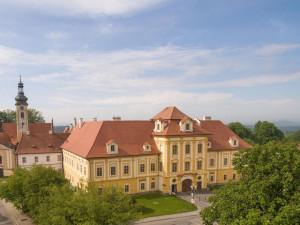 Od půlky srpna budou v borovanském klášteře k vidění Poklady z diecéze