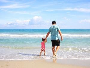 Cestovní pojištění letos zahrnuje i zásah koronaviru. Lidé by se však měli pojistit i na dovolenou v Česku