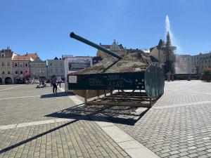 Mnoho měst v Česku si připomíná srpen 1968. V Budějcích zaparkovaly makety tanků